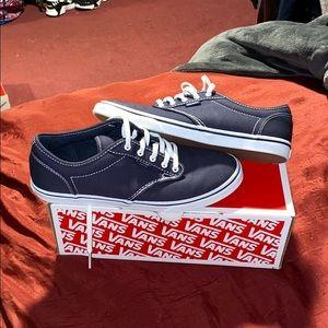 *BRAND NEW* navy blue vans